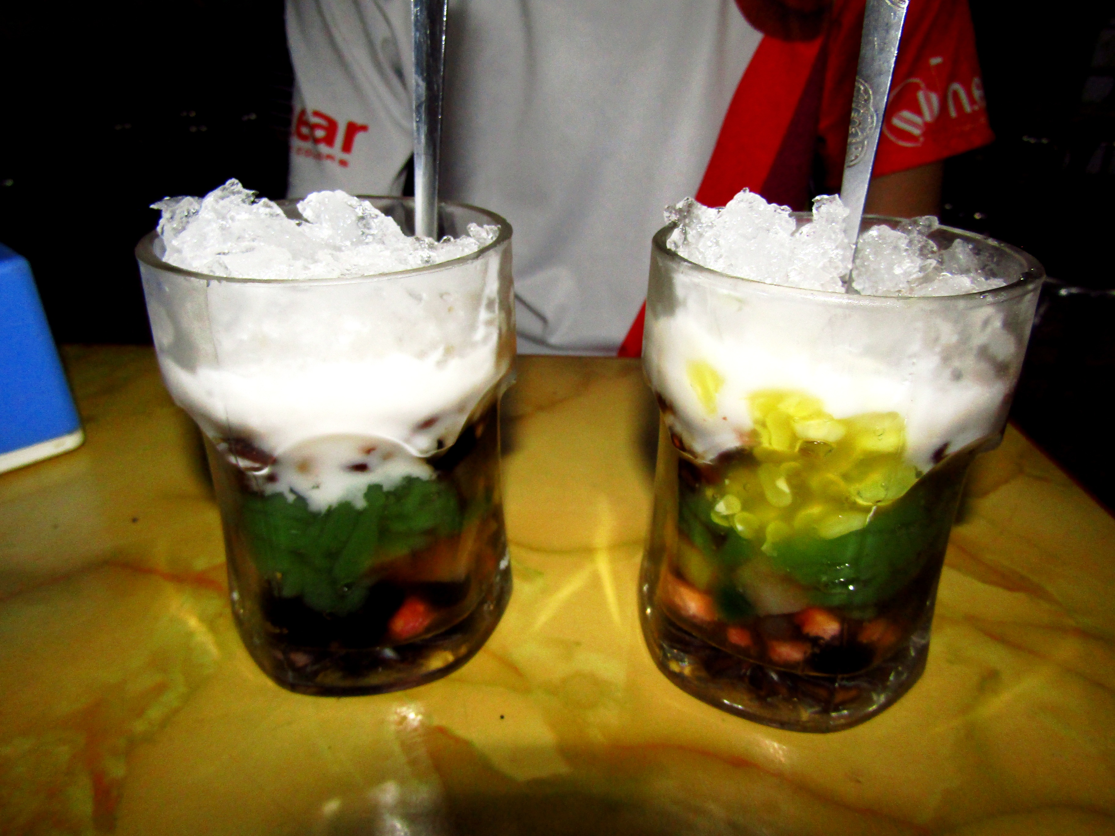 Chè - the traditional sweet Vietnamese dessert