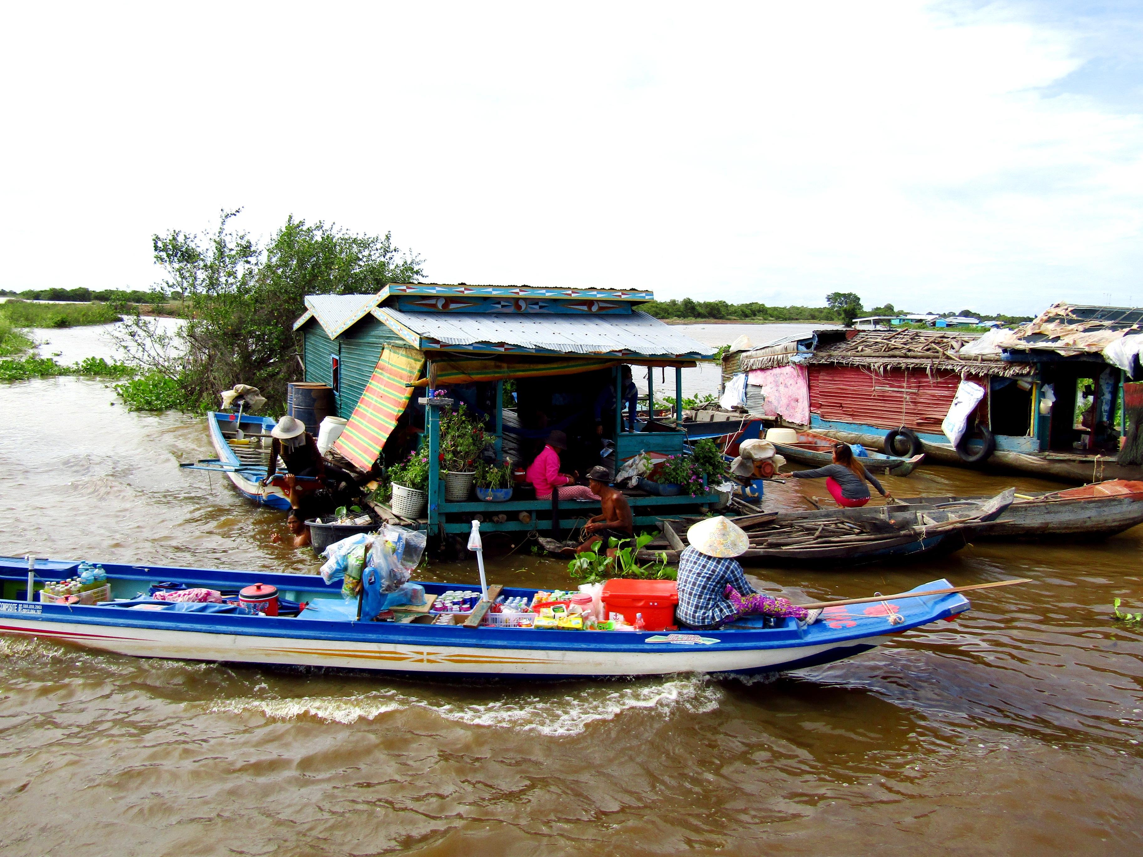 Kompong Khleang floating village - on a boat trip