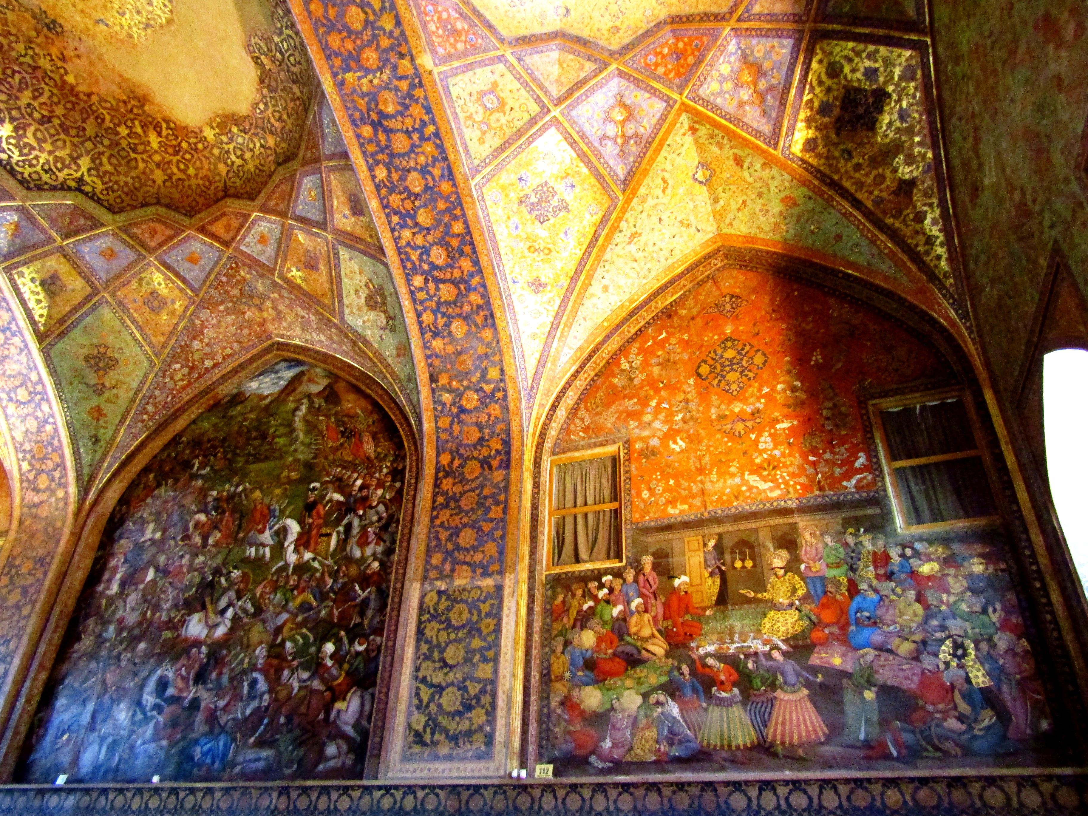 Murals in Chehel Sotoun Palace